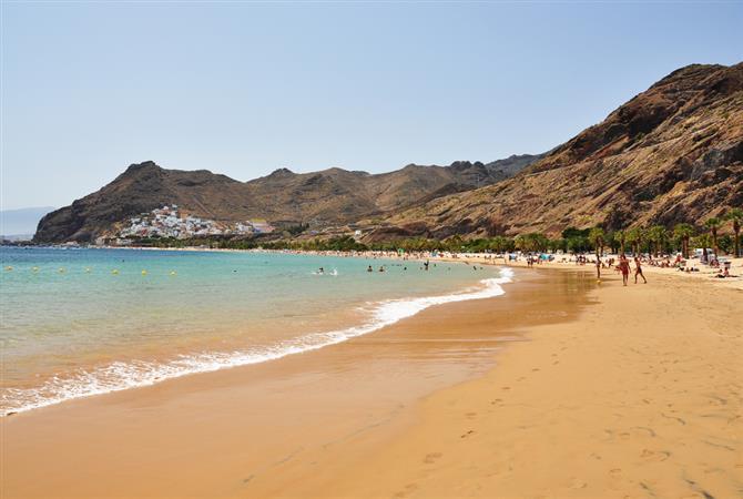 Пляж Лас Тереситас (Las Teresitas)
