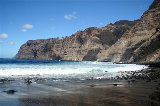 Пляж Лос Гигантес (Los Gigantes)